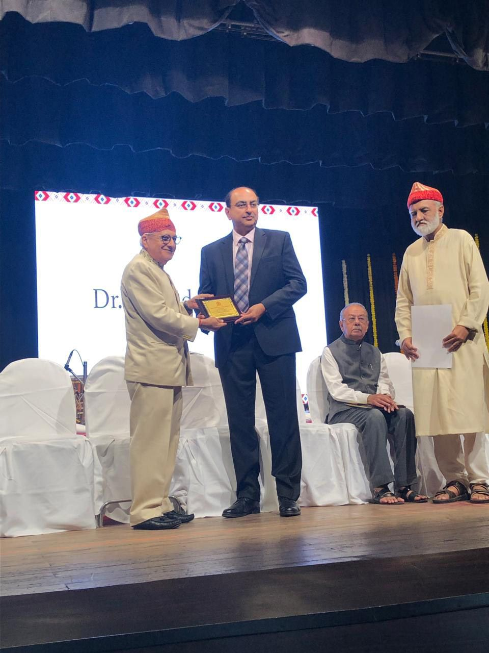 Dr. Rajendra Toprani Sir Falicitated by Global Kutchhi Bhatia Foundation at Mumbai for Being Vicepresident of IASO and His Other Achievements in the Field of Cancer